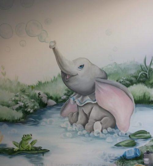 Muurschildering Dombo, water kinderkamer babykamer