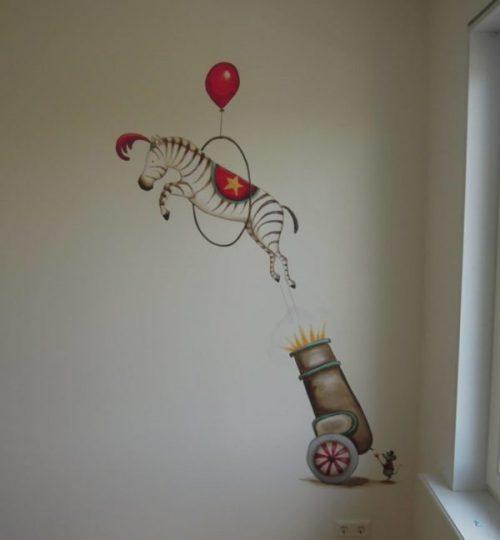 Muurschildering circus zebra