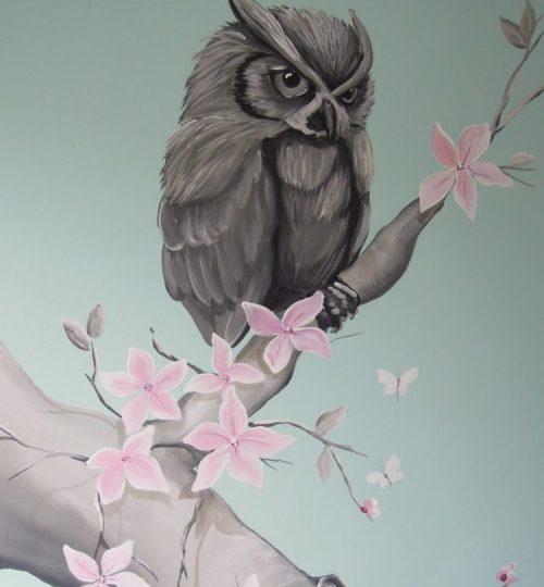 Uil muurschildering bloesem