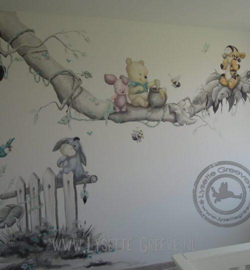 Muurschildering Pooh, Tijgertje, Eeyore baby muurschildering dor Lysette Greeve